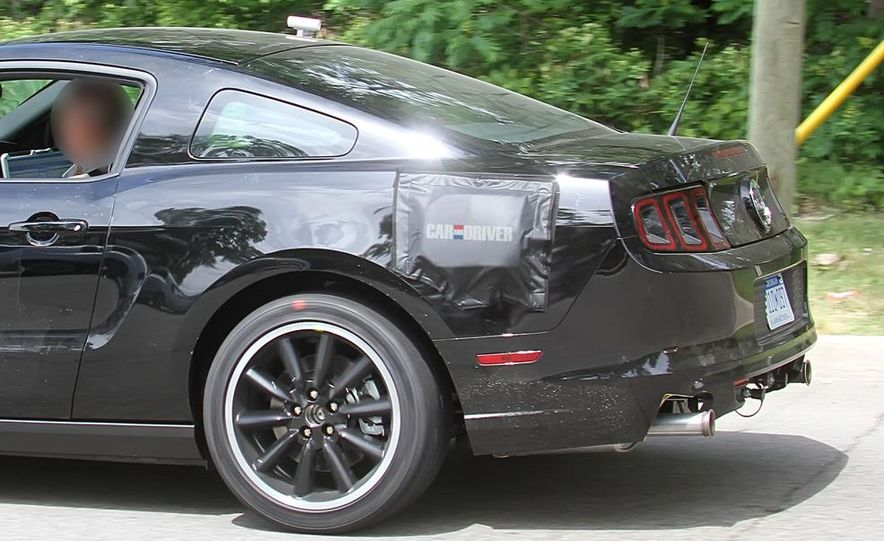 2015 Ford Mustang coupe (spy photo) - Slide 6
