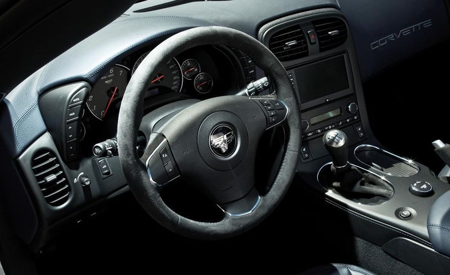 2013 Chevrolet Corvette 427 - Slide 27