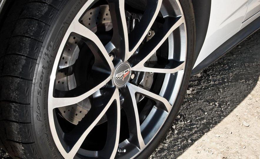 2013 Chevrolet Corvette 427 - Slide 22