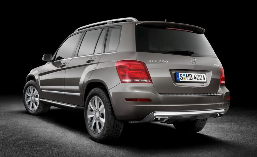 2013 Mercedes-Benz GLK350 4MATIC - Slide 28