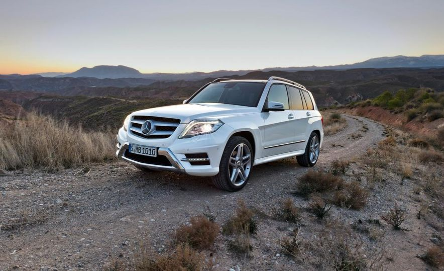 2013 Mercedes-Benz GLK350 4MATIC - Slide 2