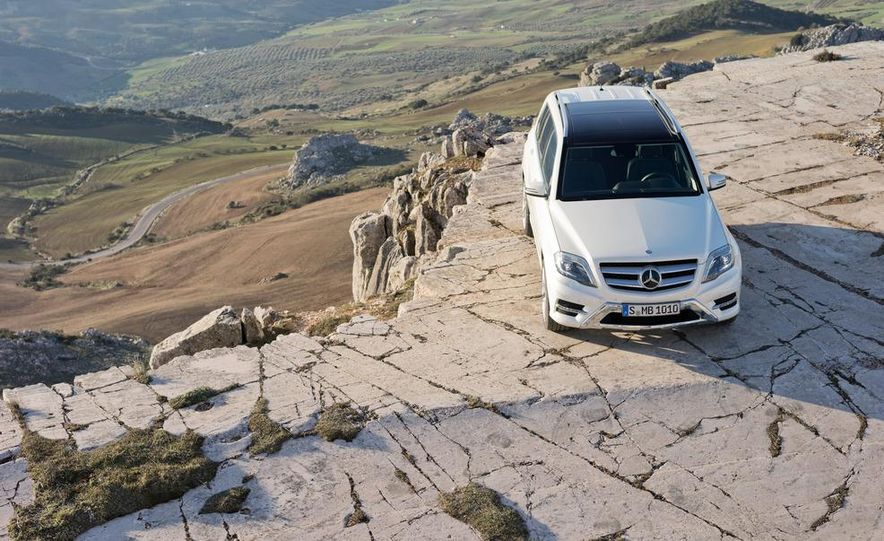 2013 Mercedes-Benz GLK350 4MATIC - Slide 4