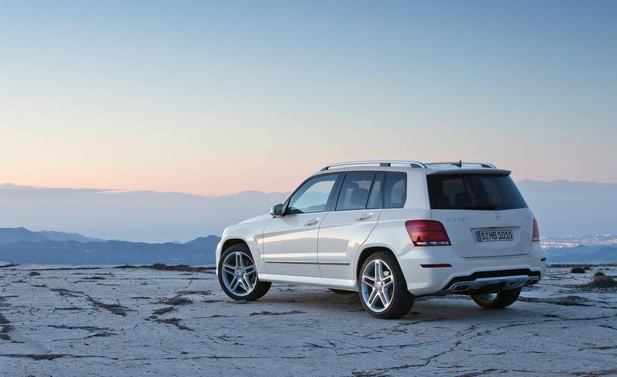 2013 Mercedes-Benz GLK350 4MATIC - Slide 11