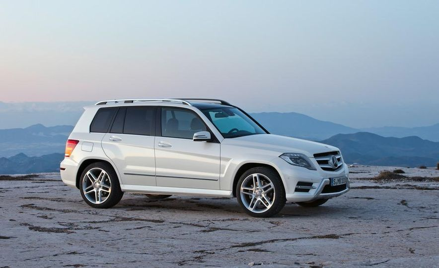2013 Mercedes-Benz GLK350 4MATIC - Slide 12