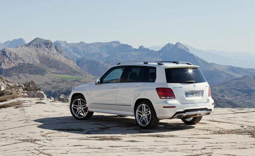 2013 Mercedes-Benz GLK350 4MATIC - Slide 14