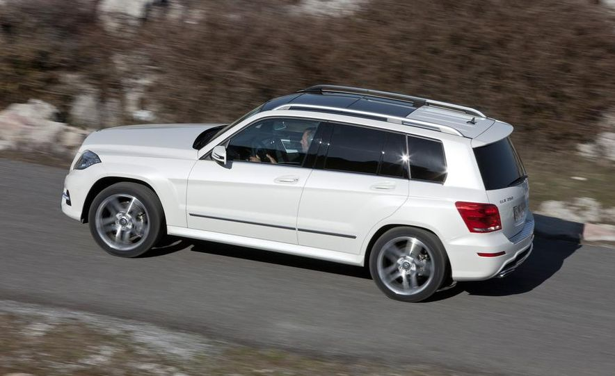 2013 Mercedes-Benz GLK350 4MATIC - Slide 15