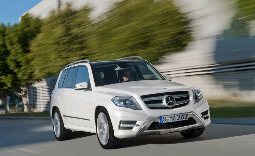 2013 Mercedes-Benz GLK350 4MATIC - Slide 17