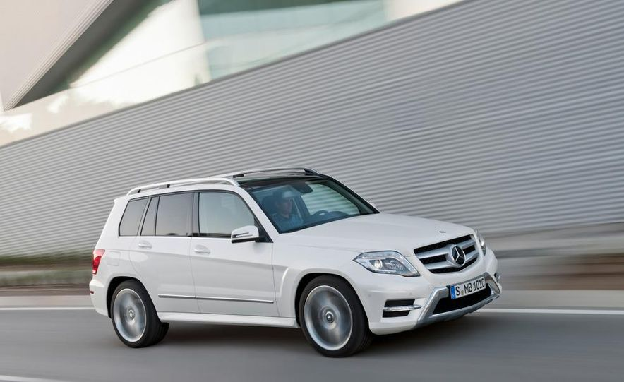 2013 Mercedes-Benz GLK350 4MATIC - Slide 18