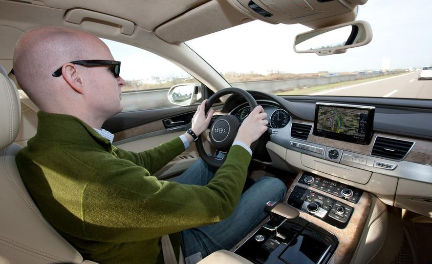 2013 Audi A8 hybrid - Slide 14