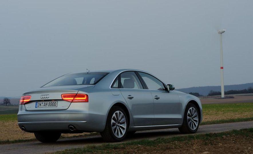 2013 Audi A8 hybrid - Slide 10
