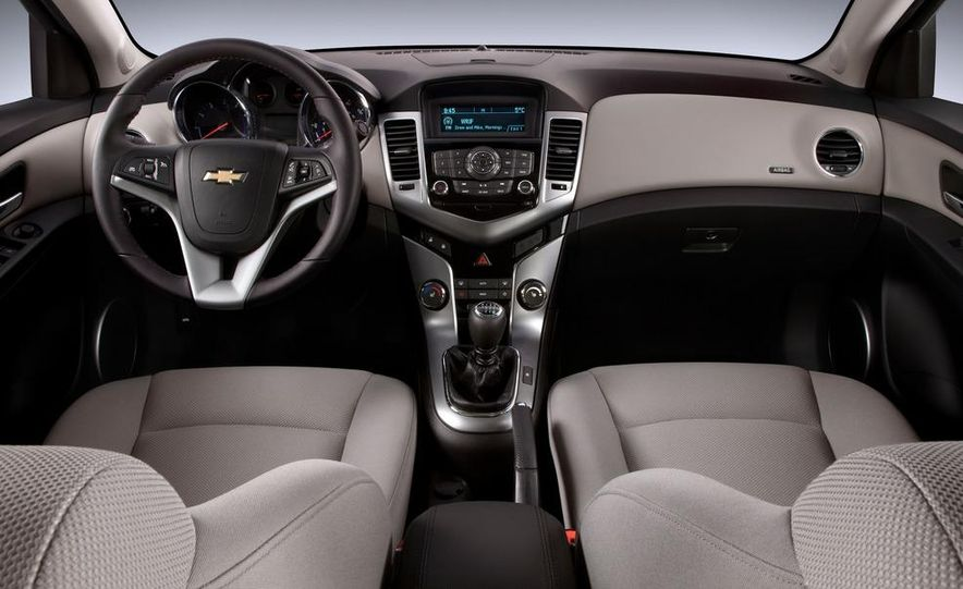2012 Chevrolet Cruze Eco - Slide 11