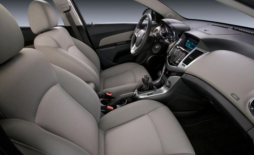 2012 Chevrolet Cruze Eco - Slide 12
