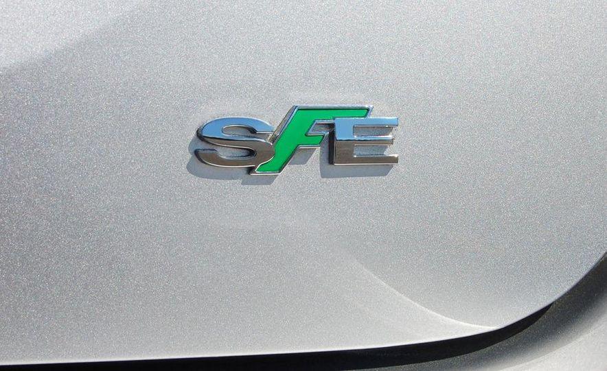 2012 Chevrolet Cruze Eco - Slide 15