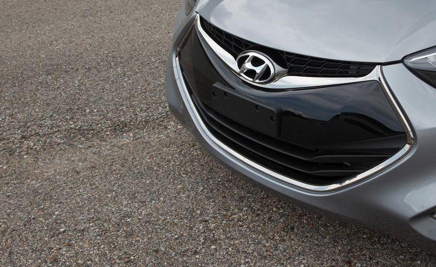 2013 Hyundai Elantra coupe - Slide 11