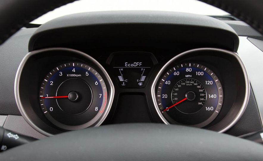 2013 Hyundai Elantra coupe - Slide 23