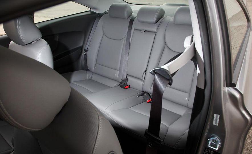2013 Hyundai Elantra coupe - Slide 18