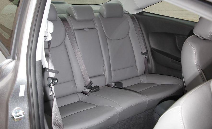 2013 Hyundai Elantra coupe - Slide 19