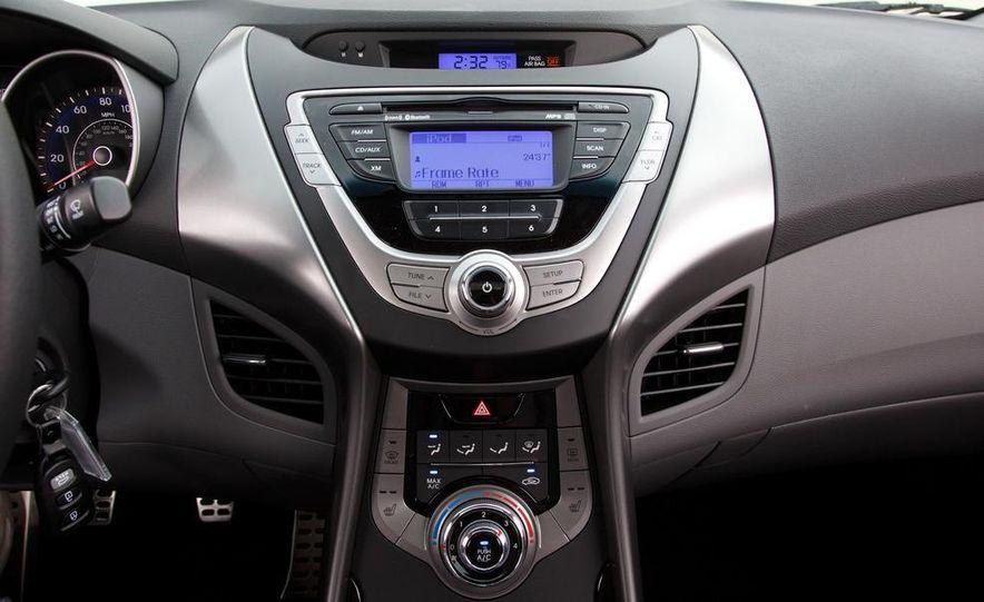 2013 Hyundai Elantra coupe - Slide 20