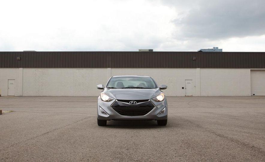 2013 Hyundai Elantra coupe - Slide 3