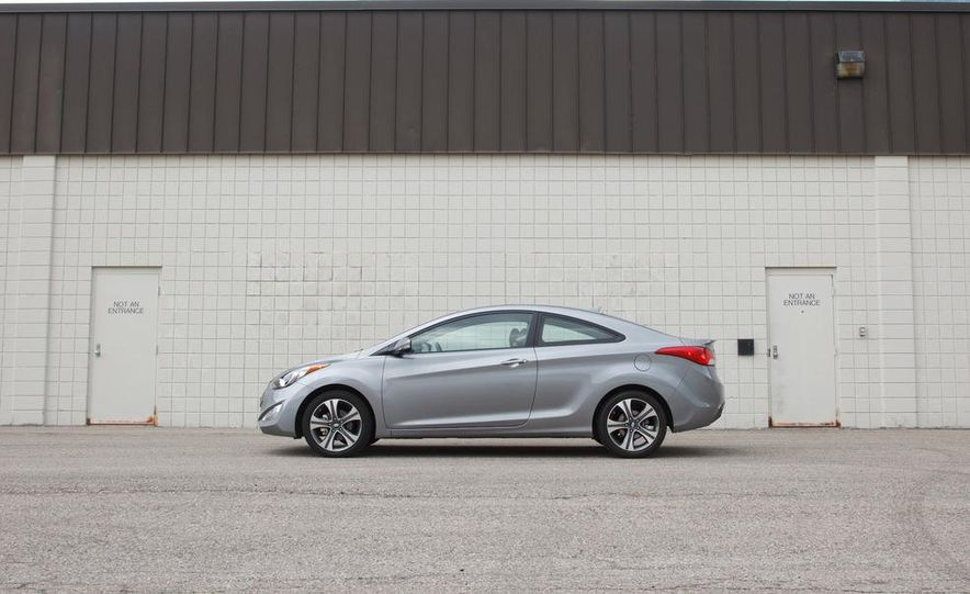 2013 Hyundai Elantra coupe - Slide 4