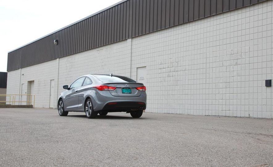 2013 Hyundai Elantra coupe - Slide 7