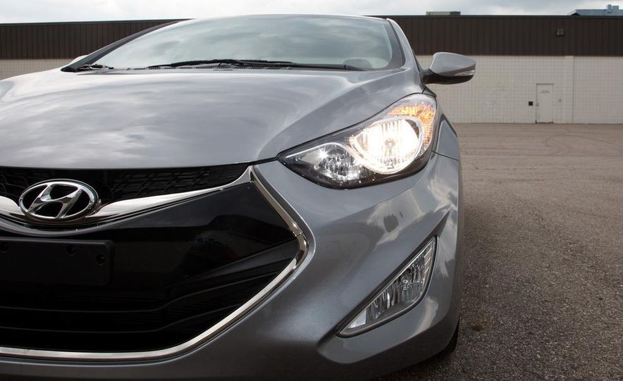 2013 Hyundai Elantra coupe - Slide 10