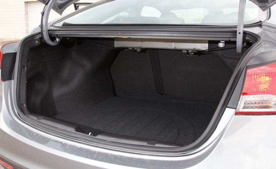 2013 Hyundai Elantra coupe - Slide 24