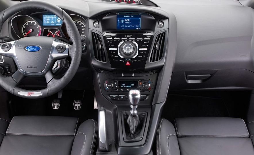2013 Ford Focus ST (Euro-spec) - Slide 10
