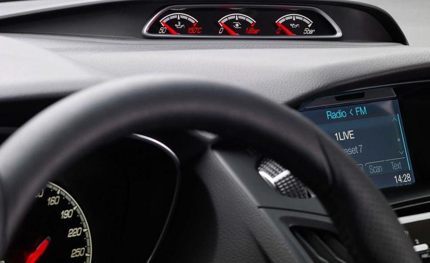 2013 Ford Focus ST (Euro-spec) - Slide 12