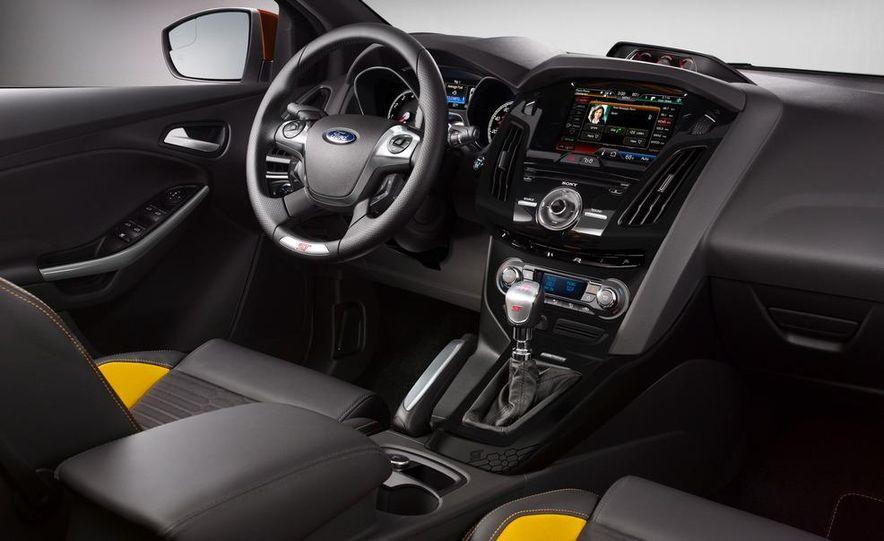 2013 Ford Focus ST (Euro-spec) - Slide 29