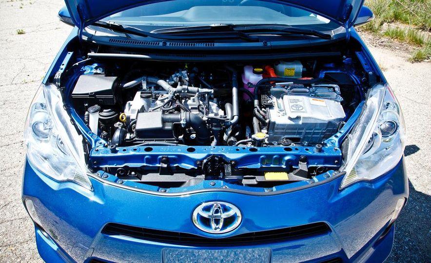 2012 Toyota Prius C - Slide 22