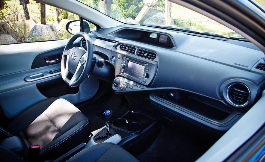 2012 Toyota Prius C - Slide 15