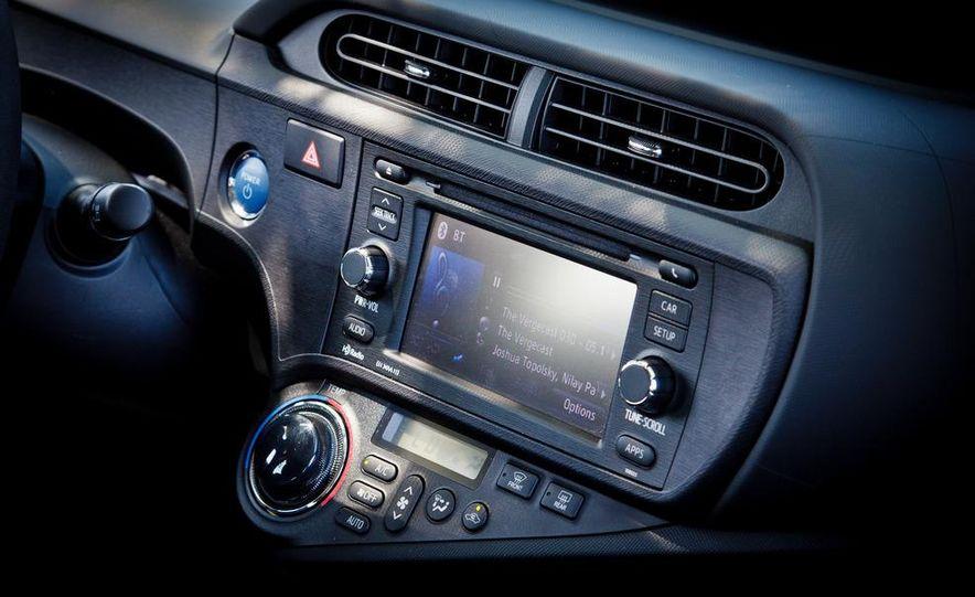 2012 Toyota Prius C - Slide 19