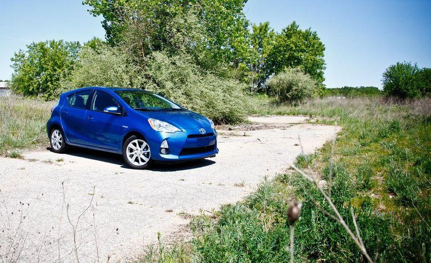 2012 Toyota Prius C - Slide 4