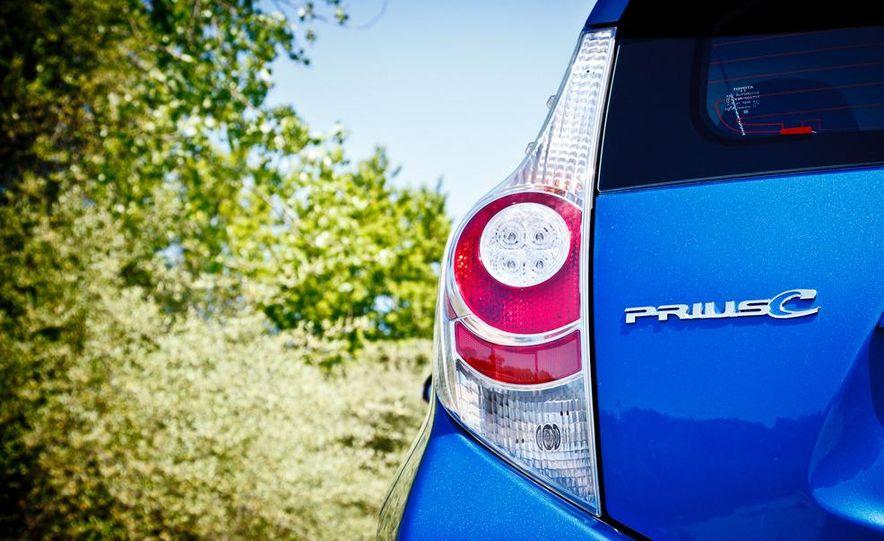 2012 Toyota Prius C - Slide 12