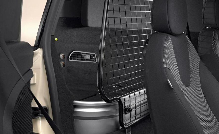 2013 Mini Clubvan - Slide 17
