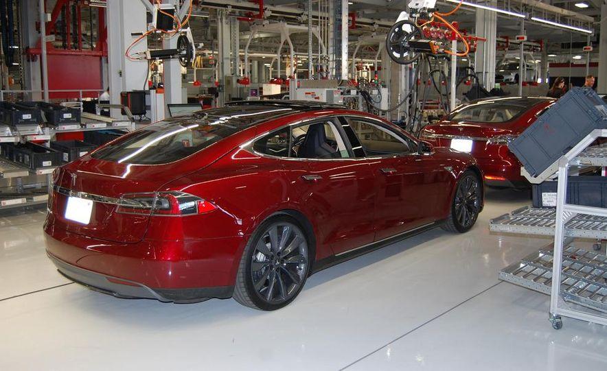 2013 Tesla Model S - Slide 3