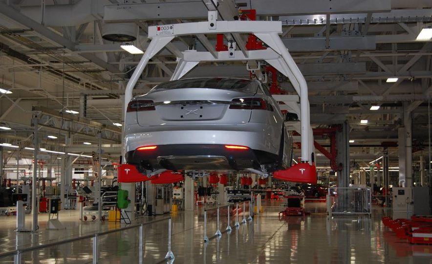 2013 Tesla Model S - Slide 15
