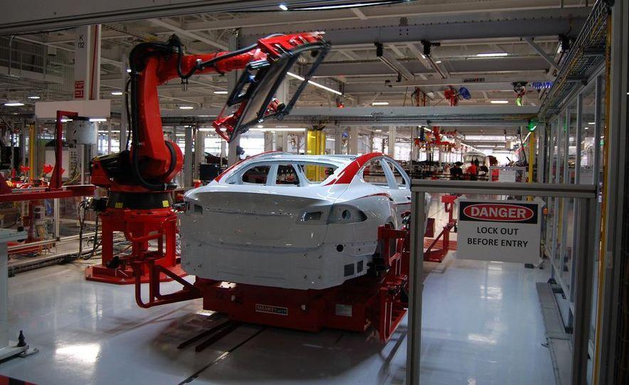 2013 Tesla Model S - Slide 21