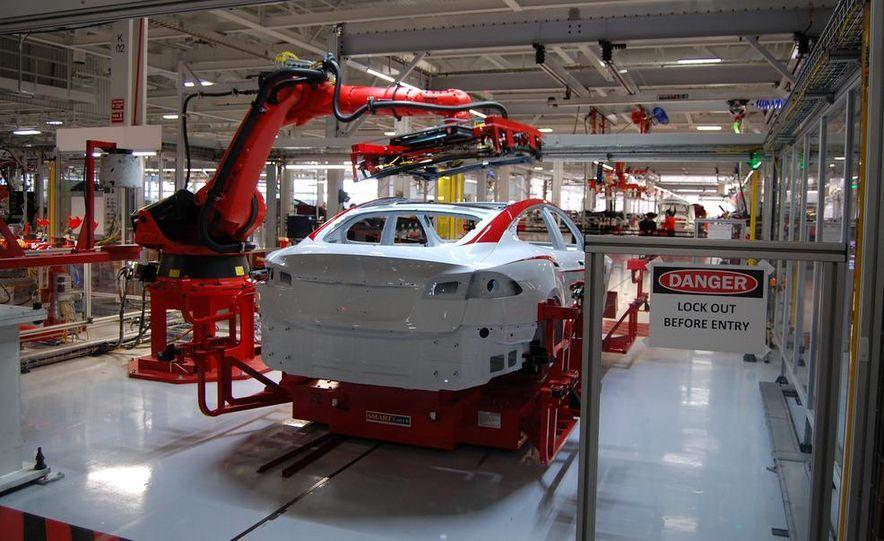 2013 Tesla Model S - Slide 22