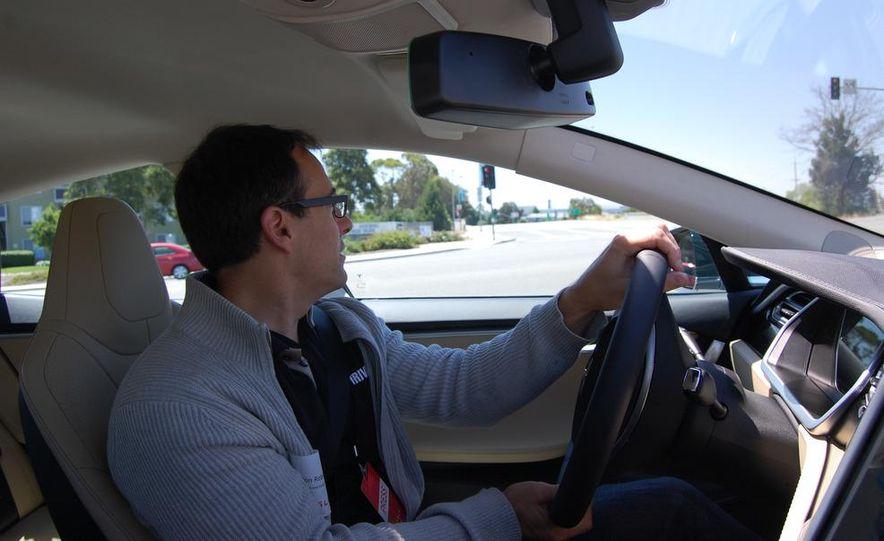 2013 Tesla Model S - Slide 9