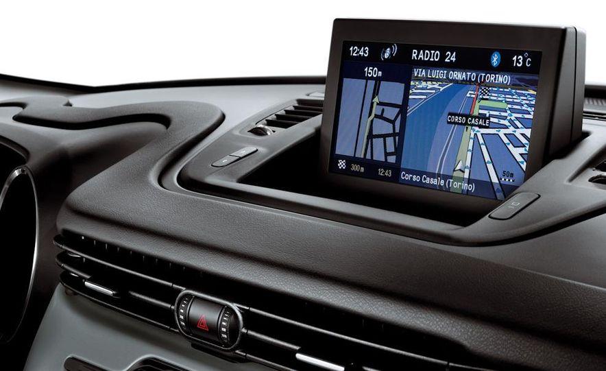 2014 Chrysler 100 (spy photo) - Slide 74