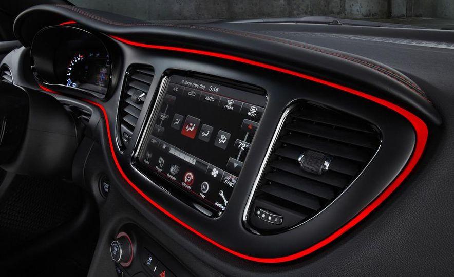 2014 Chrysler 100 (spy photo) - Slide 41