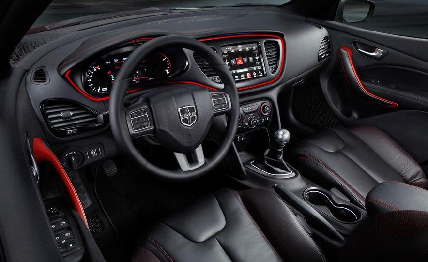2014 Chrysler 100 (spy photo) - Slide 38