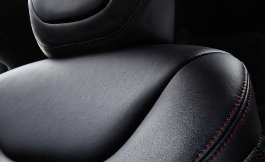 2014 Chrysler 100 (spy photo) - Slide 43