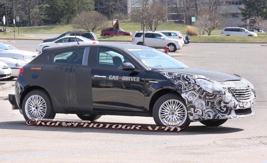 2014 Chrysler 100 (spy photo) - Slide 5