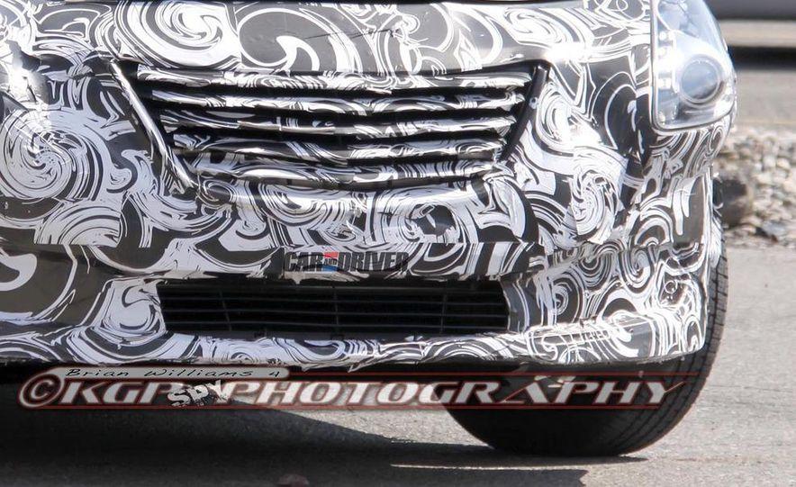 2014 Chrysler 100 (spy photo) - Slide 9