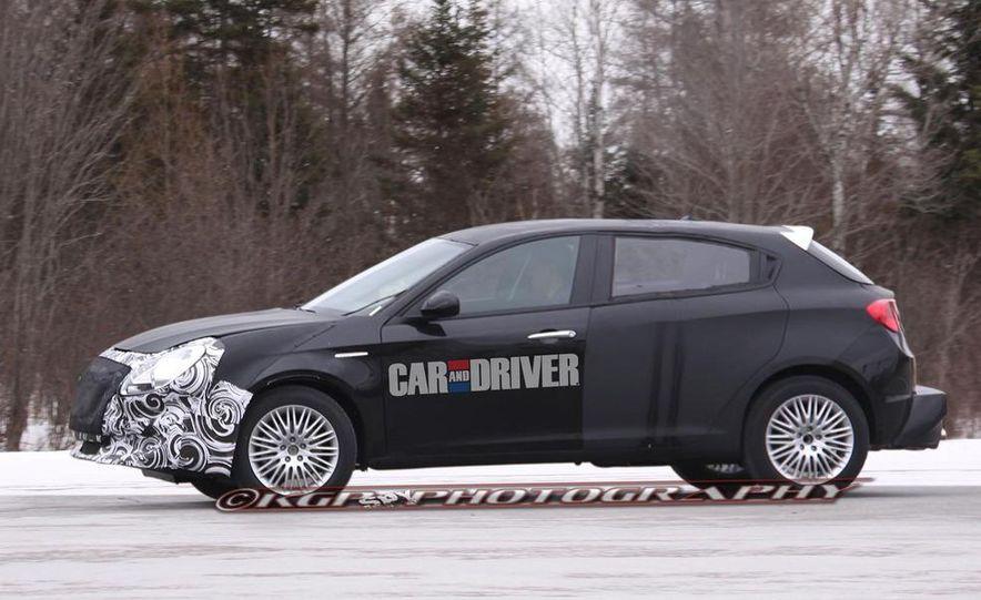 2014 Chrysler 100 (spy photo) - Slide 18