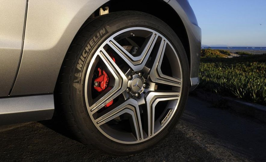 2012 Mercedes-Benz ML63 AMG - Slide 16
