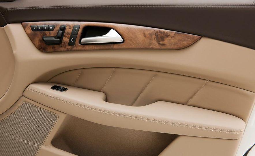 2013 Mercedes-Benz CLS500 4MATIC Shooting Brake - Slide 44